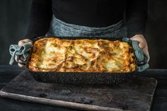 Try Lasagne al forno by FOOBY now. Or discover other delicious recipes from our category main dish. Parmesan, Al Forno Recipe, Sauce Béchamel, Bechamel Sauce, Vegetable Puree, Food Trends, Original Recipe, Lasagna, Gratin