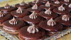 Krtkův plech – hrníčkový recept – RECETIMA Christmas Sweets, Christmas Baking, Baking Recipes, Cookie Recipes, Czech Recipes, Sweet Cakes, Desert Recipes, Diy Food, No Bake Cake