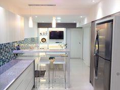 Cocinas de estilo moderno de Estudio Nicolas Pierry: Diseño en Arquitectura de Interiores & Jardines
