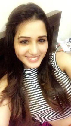 Pretty Girls, Cute Girls, Indian Natural Beauty, Girls Selfies, Cute Girl Photo, India Beauty, Navel, Girl Photos, Desi