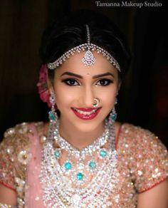 19 Real Brides Who Wore Stunning Matha Pattis! South Indian Bride, Indian Bridal, Royal Indian, Indian Groom, Bridal Makeup, Wedding Makeup, Nailart, Nail Polish, Wedding Beauty