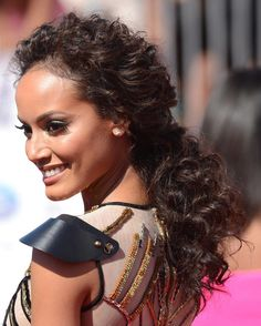 Selita Ebanks at the 2012 BET Awards. http://beautyeditor.ca/2015/03/10/best-hairstyles-long-curly-hair