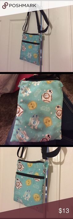 Cute Star Wars bag I love it but it's too small, I like to carry a lot of crap in my purse lol never used from hot topic Hot Topic Bags