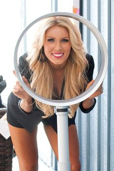 Gretchen Rossi | Gretchen Rossi Gretchen cools down at a photoshoot with the dyson air ...