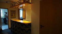 Das Zimmer ist 12 qm groß und befindet sich auf der Westseite. Das unmöbelierte Zimmer bietet dir Spielraum für eigenes Gestalten. Zwei F...