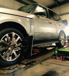 RangeRover Wheel alignment check and adjustment, Edinburgh 4x4 Wheels, Wheel Alignment, Edinburgh, Antique Cars, Centre, 3d, Vehicles, Check, Vintage Cars