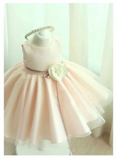 Pink flower girl dress. Available from 3 month until 12 years old. Color: Light Pink Material: Polyester fiber, Purified cotton lining, tulle mesh, satin. Free shipping.