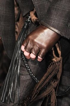 Posted as Wanted @ TheHunt.com Have U Seen It? -- Fingerless Gloves, top-grain or nappa(?) leather, brown ... ... SPOTTED ORIGINALLY @ weheartit.com/entry/50919531/via/eravy