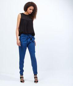 http://www.etam.com/pret-a-porter-pantalons-fluides/pantalon-fluide-en-lyocell--ceinture-noeud-647106526.html