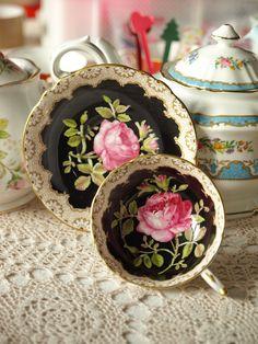 Rare !!!  Black paragon with beautiful rose