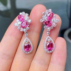 Jewelry Boards, Jewelry Art, Jewelry Accessories, Fine Jewelry, Real Diamond Earrings, Dimonds, 1 Carat, Luxury Jewelry, Jewelery