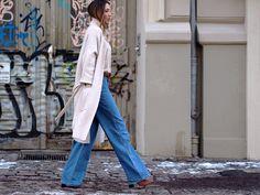 #wideleg #flare #pants #jeans #denim #asos #asseenonme #cardigans #wool #knit #knitwear #turtleneck #stefanel #boots #suede #zara #streetstyle #berlin #fashionblogger #trends #ootd #helloshopping #effortless #vogue #instyle #elle #madame #whowhatwear #retro #70ies