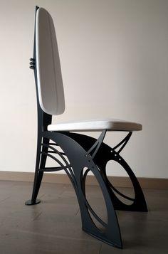 Chaise Design de style Art Nouveau
