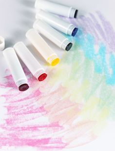 These DIY Melt & Pour Bath Crayons would make great homemade stocking stuffer gifts for kids Bath Crayons, Diy Crayons, Homemade Crayons, Melted Crayons, Homemade Stocking Stuffers, Stocking Stuffers For Kids, Diy For Kids, Gifts For Kids, Kids Stockings