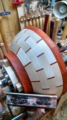 Tips fоr Using Woodturning Lathe Wood Turning Lathe, Wood Turning Projects, Wood Lathe, Segmented Turning, Carpentry Projects, Lathe Projects, Wood Projects, Wood Tools, Wood Plans