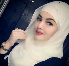 A Very Pretty Muslimah Lady Hijabi Girl, Girl Hijab, Hijab Bride, Islamic Fashion, Muslim Fashion, Hijab Fashion, Beautiful Muslim Women, Beautiful Hijab, Beautiful People