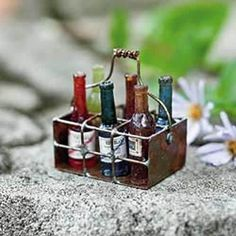 MINI WIRE BASKET WITH WINE - Miniature Expressions