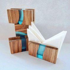 Wood Resin Table, Epoxy Resin Wood, Solid Wood Table, Diy Epoxy, Wood Vase, Diy Resin Art, Diy Resin Crafts, Wood Crafts, Wood Napkin Holder