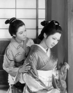 香川京子(右)と南田洋子  「近松物語」 昭和29年(1954) 溝口健二