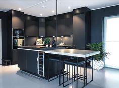 Classic Style Kitchen Furniture Timeless Furniture For Your Home Home Decor Kitchen, Kitchen Furniture, Kitchen Interior, Home Interior Design, Black Kitchens, Home Kitchens, Scandinavian Kitchen, Küchen Design, Design Ideas
