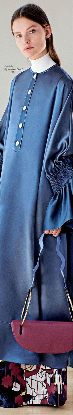 Roksanda Resort 2018 Blue Fashion, Hijab Fashion, Blue Crush, Roksanda, Fall Wardrobe, Blue Denim, Light Blue, Bell Sleeve Top, Bomber Jacket