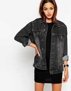 OBSESSED with the oversized fit of this dark wash denim jacket.