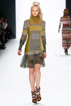 aw-2016_mercedes-benz-fashion-week-berlin_de_0018_riani_61052
