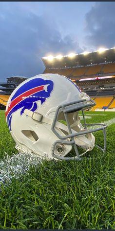 Football Cheerleaders, Cheerleading, Buffalo Bills Football, American Sports, Empire State, Football Helmets, Nfl, York, Logos