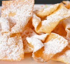 Chrusciki (or Faworki) Best Sugar Cookie Recipe, Cookie Recipes, Snack Recipes, Dessert Recipes, Quick Dessert, Snacks, Köstliche Desserts, Delicious Desserts, Slovenian Food