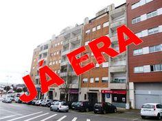 Apartamento  T2 / Paredes, Castelões de Cepeda - T2 no centro de Paredes. Com cozinha equipada e mobilada. Varanda. Aquecimento central. Garagem e arrumos. Vistas panorâmicas. Junto a comércio e serviços.