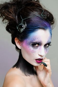Make Up Is An Art this is pretty- how they blended her colorful makeup into her hair. definitely a technique to use! Fx Makeup, Airbrush Makeup, Hair Makeup, Runway Makeup, Makeup Geek, Make Up Looks, Maquillaje Halloween, Halloween Makeup, Halloween Fairy