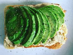 creamy avocado slices & hummus on sourdough toast Healthy Sandwich Recipes, Healthy Sandwiches, Easy Healthy Recipes, Healthy Snacks, Healthy Eating, Savoury Recipes, Avocado Hummus, Finger Foods, Breakfast Recipes