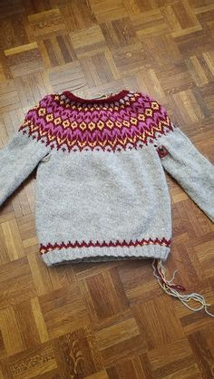 Iceland, Ravelry, What To Wear, Blanket, Knitting, People, Pattern, Fashion, Knit Jumpers