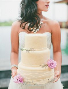 Pink Wedding Cakes simple cream wedding cake - One Year Anniversary Shoot In Hawaii captured by Rebecca Arthurs Photography. Pretty Cakes, Beautiful Cakes, Wedding Wishes, Wedding Bells, Hawaii Wedding Cake, Wedding Styles, Wedding Photos, Cream Wedding Cakes, Wedding Sweets