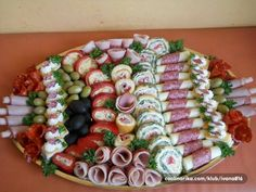 This would be such a pain to put together but I love the presentation for entertaining. #appetizers