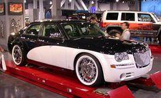 Chrysler 300c with Santini paint job