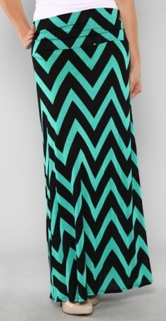 plus size chevron maxi skirt in teal and black Maxi Outfits, Modest Outfits, Casual Outfits, Cute Outfits, Fashion Outfits, Womens Fashion, Maxi Dresses, Work Outfits, Dress Skirt