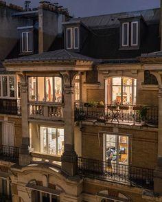 Casas The Sims 4, Paris Apartments, City Aesthetic, Dream Apartment, My Dream Home, Dream Life, Paris France, Future House, Beautiful Places