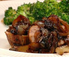 Savoring Time in the Kitchen: Pork Tenderloin with Brown Sugar-Caramelized Onions and the Best roasted Broccoli Pork Tenderloin Recipes, Pork Recipes, Real Food Recipes, Great Recipes, Dinner Recipes, Cooking Recipes, Healthy Recipes, Favorite Recipes, Cooking Pork