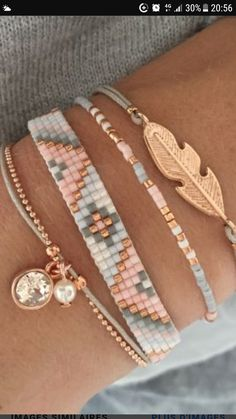Beaded Bracelet Patterns, Beaded Bracelets, Bijoux Diy, Loom Beading, Barefoot, Jewerly, Collars, Chain, Stud Earrings