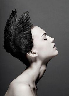 Dangerous swan. #Feathers #Makeup #Beauty