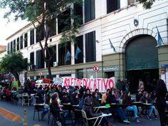 La semana nacional de lucha de los docentes universitarios creció durante el martes con alto acatamiento en algunos establecimientos y clases públicas en las trece facultades.