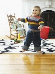 Find out what signals indicate when your baby is ready to walk, and how you can help