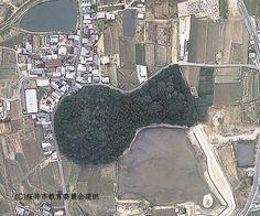 弥生時代の終わり : 巨大な墳丘を持つ王の墓(奈良県箸墓古墳)