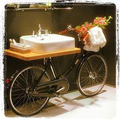Sometimes you just need a new bathroom #bathdesign #bathroom #like4like #l4l #lfl #burlingtonbathrooms #italy #italia #italien #bikewashbasin #cykelhandfat #happyville #upandabout #happyville #likeforlike #wow #epicenterofdesign #mervärdeutöverdetvanliga #milan #milano #newbathroom #design #form #designweek #design #formgivning by jldab