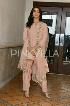 Alia bhatt for Raazi promotion Kurta Designs, Blouse Designs, Ethnic Fashion, Colorful Fashion, Indian Fashion, Indian Attire, Indian Ethnic Wear, Indian Dresses, Indian Outfits