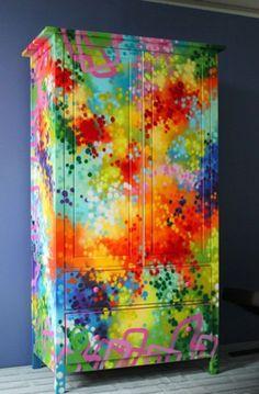 Bunt bemalte Möbel für mehr Farbe zu Hause - #Selbermachen                                                                                                                                                     Mehr