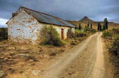 On a farm in the Karoo, South Africa, my country. Out Of Africa, To Infinity And Beyond, Pictures To Paint, Countries Of The World, Old Houses, Farm Houses, Landscape Photography, Travel Photography, Beautiful Places