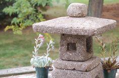 Lanterne de jardin Hypertufa-Taupe carré 18 par FarmbrookDesigns