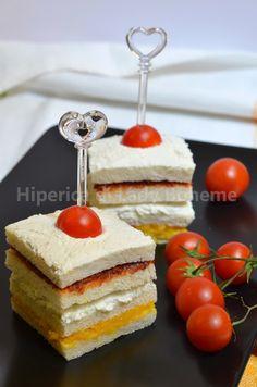 Hiperica di Lady Boheme: Tramezzini con pomodori secchi, crema di peperoni gialli e ricotta di pecora